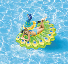 matelas gonflable paon Raviday piscine