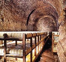 cave de roquefort, roquefort fromage, camping en aveyron