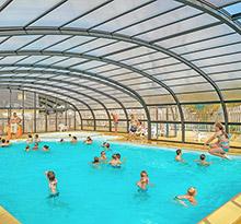 vacances en camping piscine couverte et chauffee